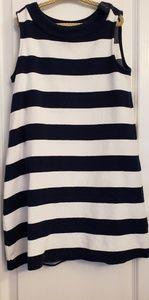 Gap girls dress 6-6x navy striped